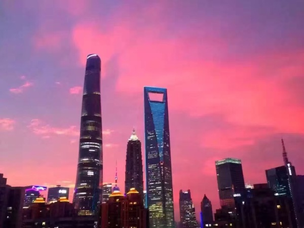 Rosy Clouds in Shanghai